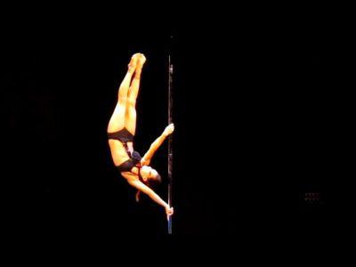 Pole dance 01