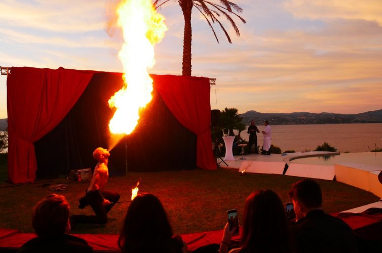 Anniversary on the theme of the circus in St Tropez
