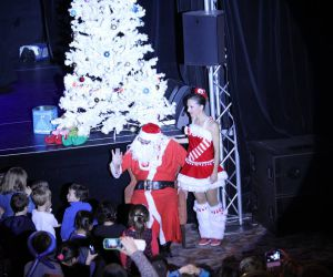 Spectacle Costume Du Père Noel Casino Terrazur - Eklabul Evenements