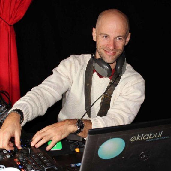DJ 03 - Eklabul Evenements