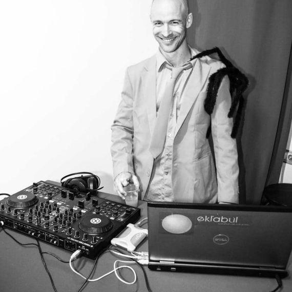 DJ 10 - Eklabul Evenements