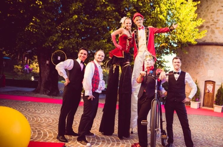 Circus wedding at the Château de Taulane