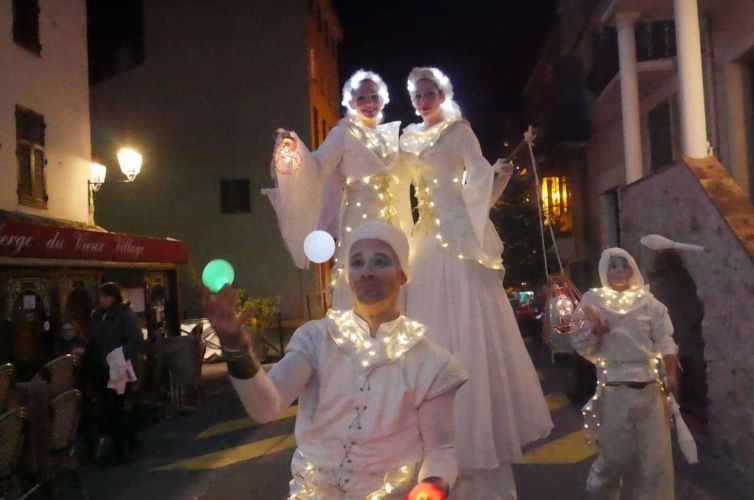 Light-up parade in Biot