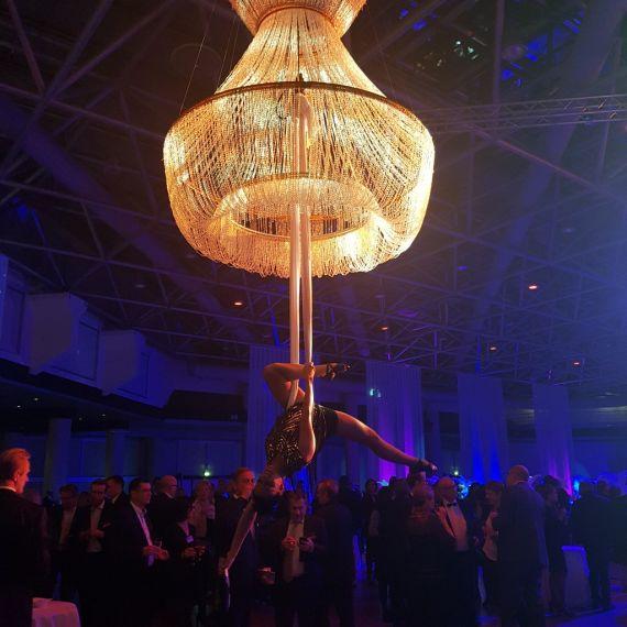 Lustre champagne aérien 11 - Eklabul Evenements