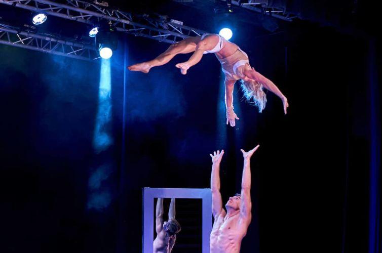 Mirror : Portés Acrobatiques